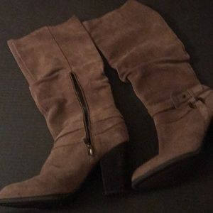 Guess 9.5 size boots suede